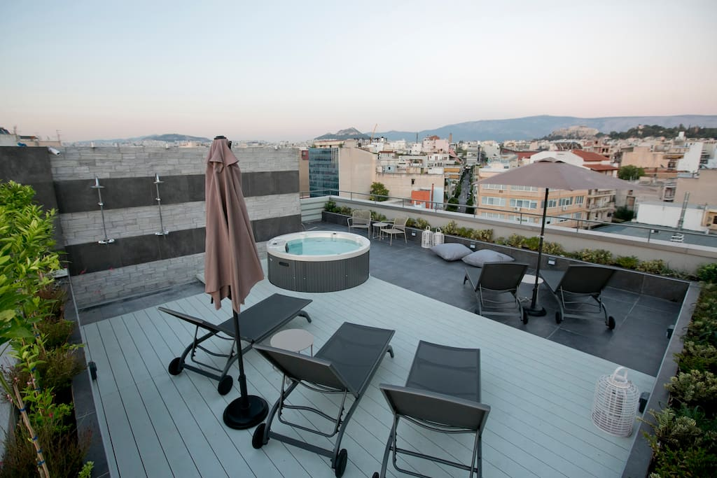 Jacuzzi at the Roof Garden with Acropolis View