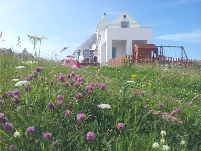 Outer Hebrides, World Class Views - Crowlista - Haus