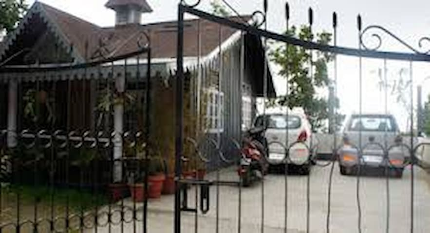 Double Occupancy Room@ Raunaq Guest house - Kalimpong - Pension