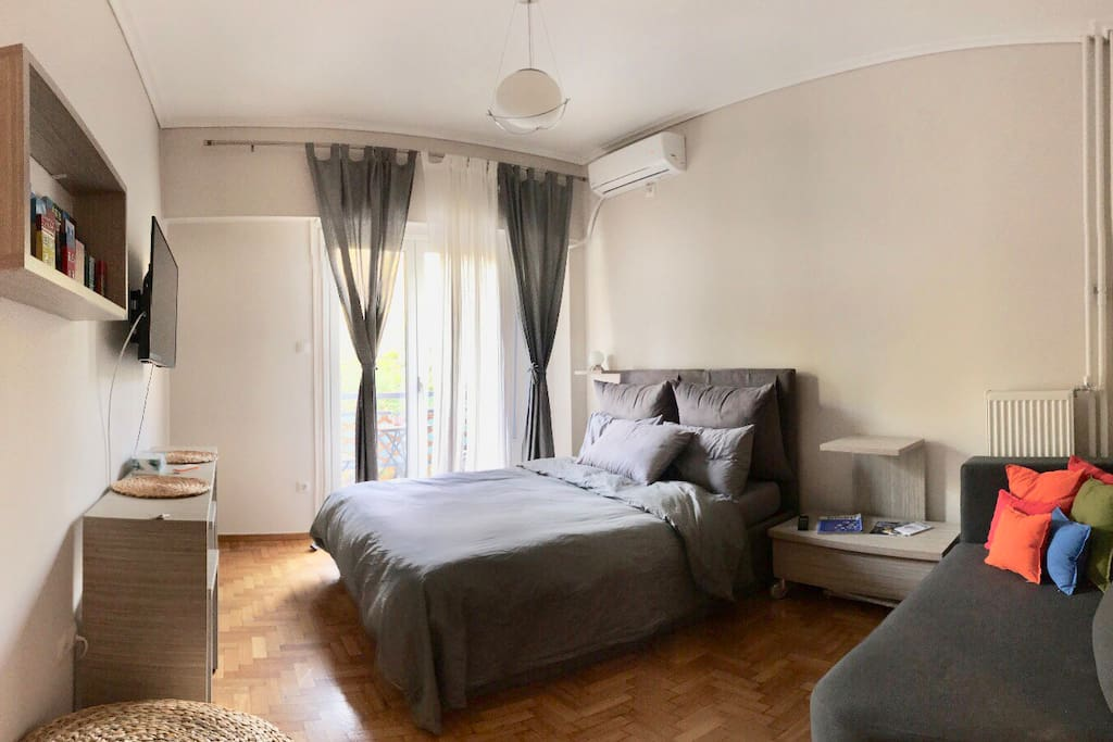 Bedroom with Park view