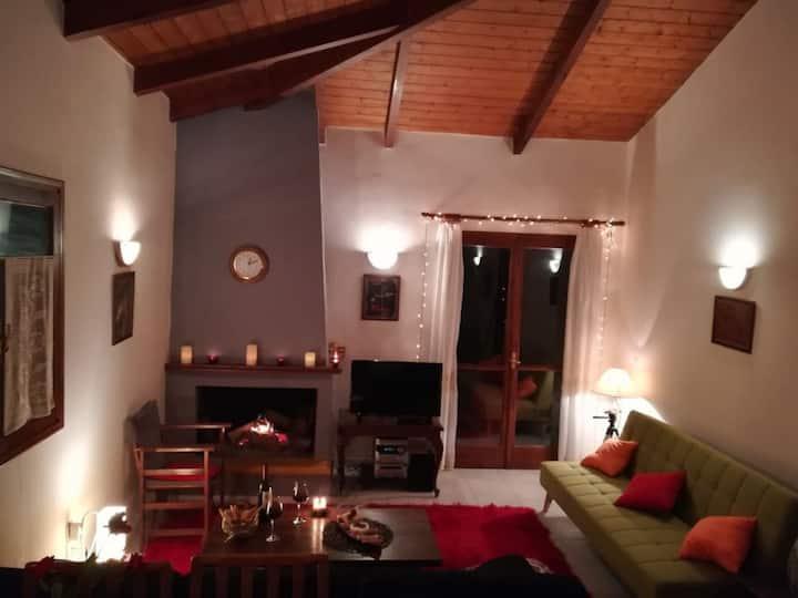 Locanda, παραδοσιακή επιπλωμένη κατοικία με τζάκι