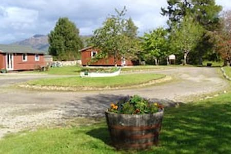 Self catering chalet for 2 Fort Augustus Loch Ness