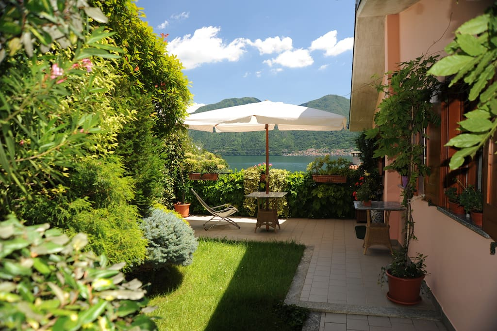 Lake view from the terrace with garden