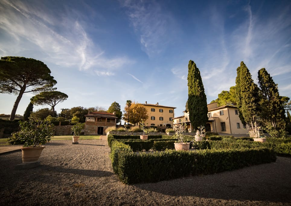 The landscaped gardens with Villa & Casa Cortona in the background