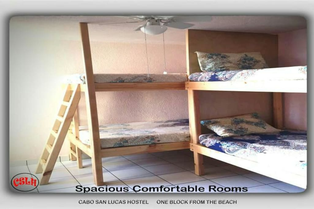 Room with air conditioner and ceiling fan