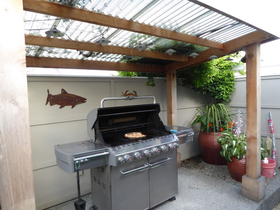 Large Weber gas grill available on upper patio.