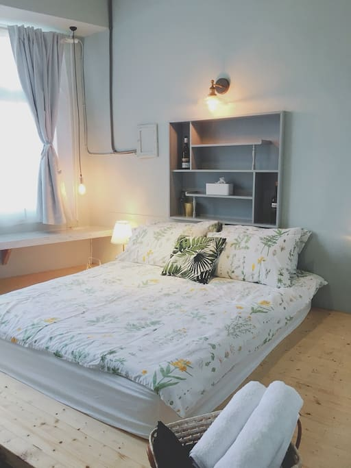 二樓陽光大套房 / 2F Room Bedding for 2 ppl