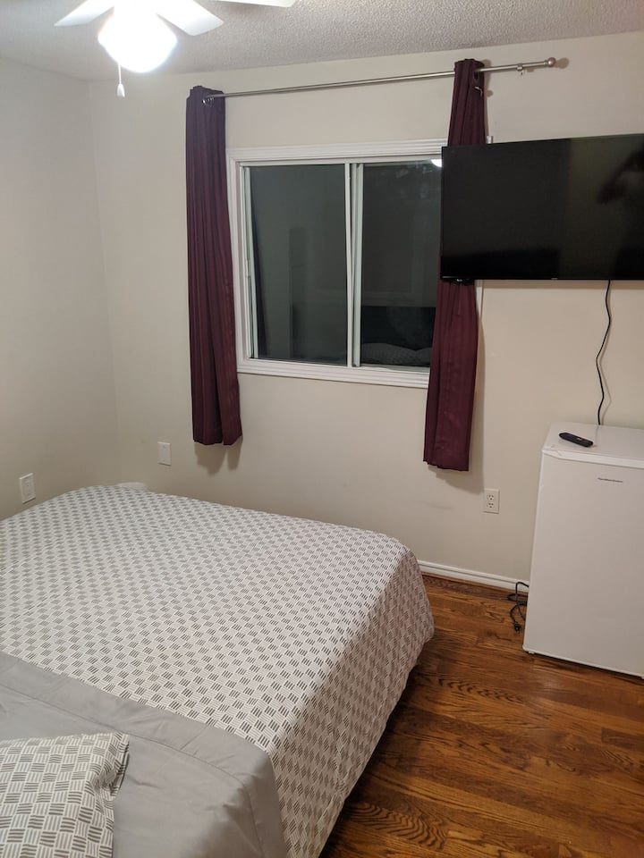 5-Lovely and Cozyroom in Richmond Hill downtown :)