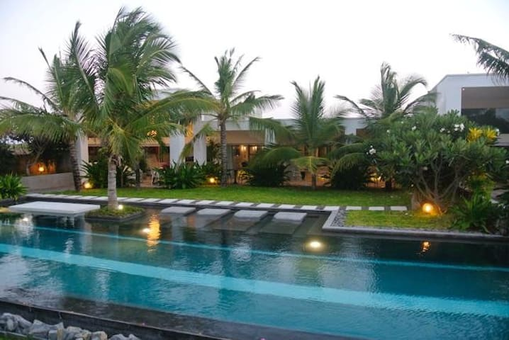 Diamond Pool Villa - by The Golden Boutique Villas