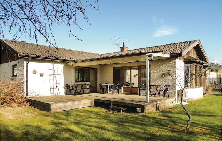 Holiday cottage with 3 bedrooms on 110m² in Mellbystrand