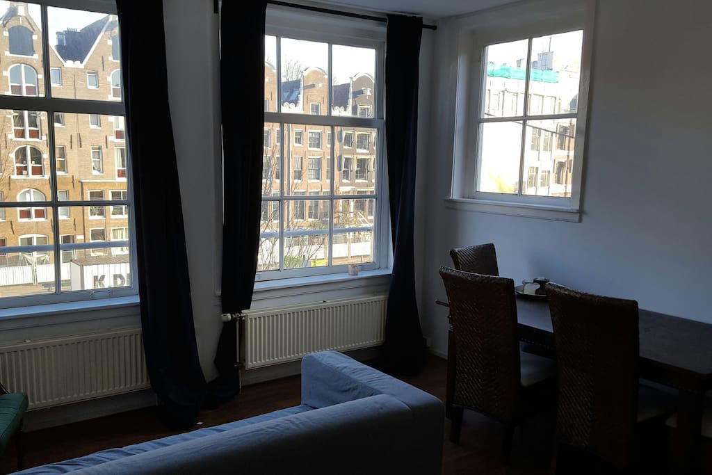 Cool apartment the prinsengracht apartments for rent for Low cost apartments amsterdam
