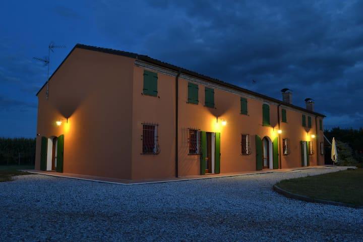Bramasole - Ferrara - Pis