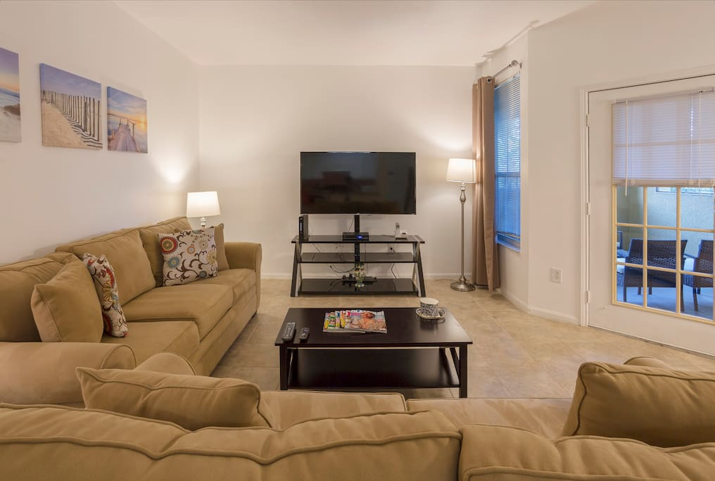 Living room with 55 inc.  4K Smart TV. 125 HD Channels