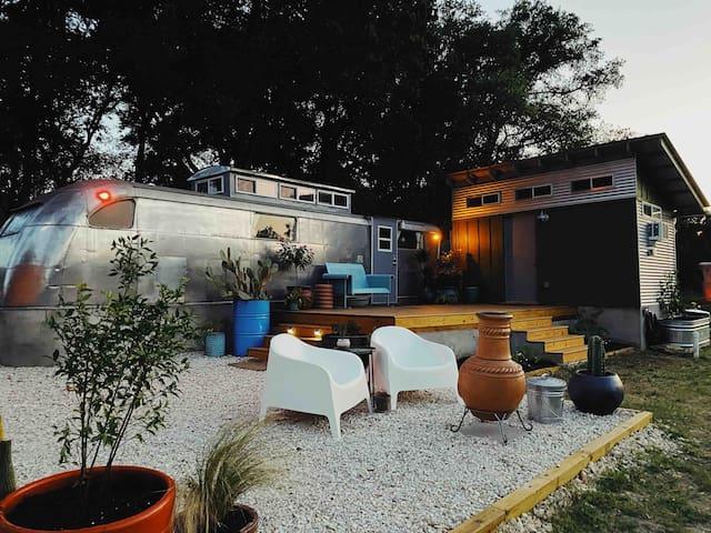 The Honeysuckle Rose : Cozy South Austin Getaway