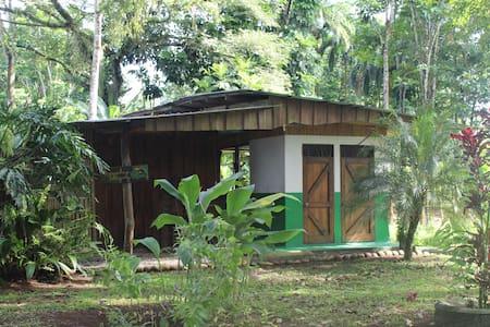 Habitación doble en finca agroecológica