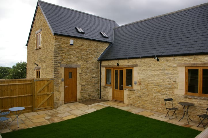 The Granary (2 bed cottage), near Burford - West Oxfordshire - Casa