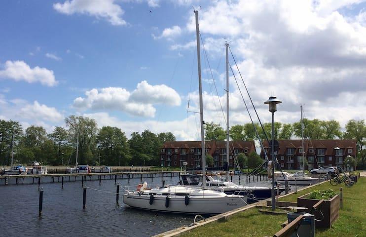 Blick auf Yachthafen an der Ostsee - Ueckermünde