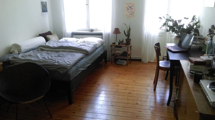 Lovely, sunny room in shared flat Moabit