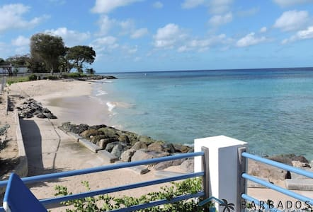 3 bedroom villa near the beach - Holetown - Haus