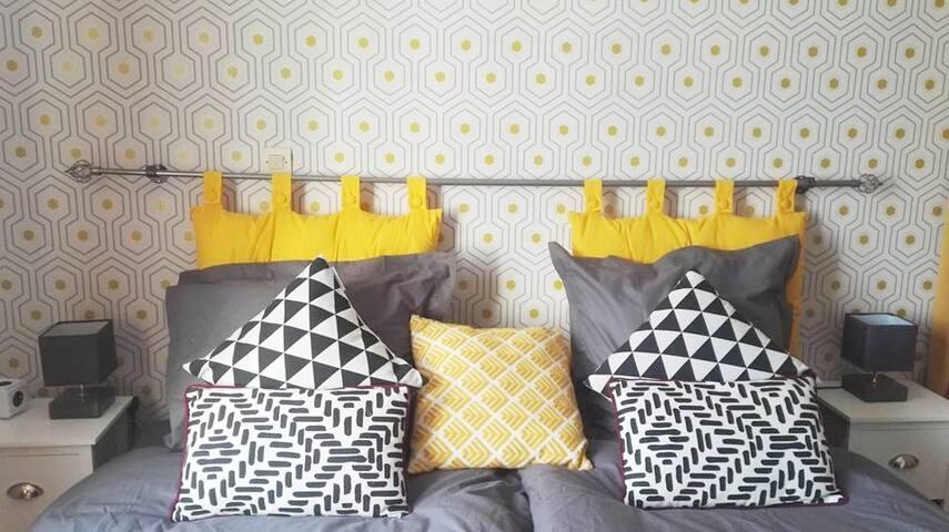 Grande chambre PARIS/ORLY dans maison chaleureuse