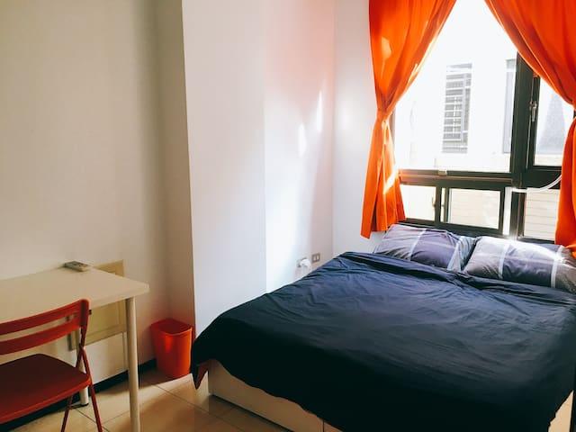 SICILY sunny room