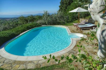Apartement in organic farm in Chianti hills