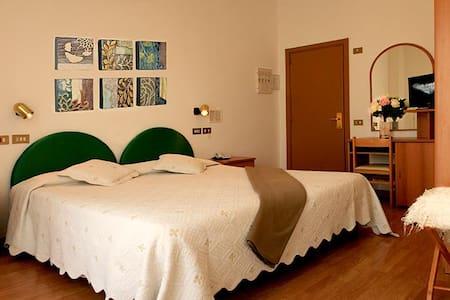 Aggravi - Chianciano Terme - Chianciano Terme - Bed & Breakfast