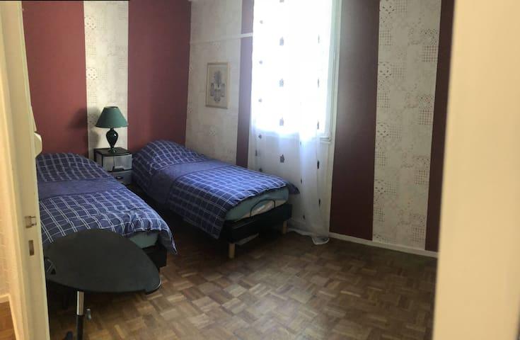 Chambre d'hôte dans mon appartement 70m2 à Nantes