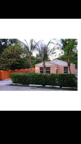Big Deal: House for Rent Miami Florida, Travelers - North Miami Beach - Huis