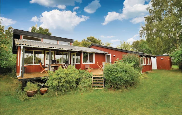 Holiday cottage with 2 bedrooms on 104m² in Vordingborg