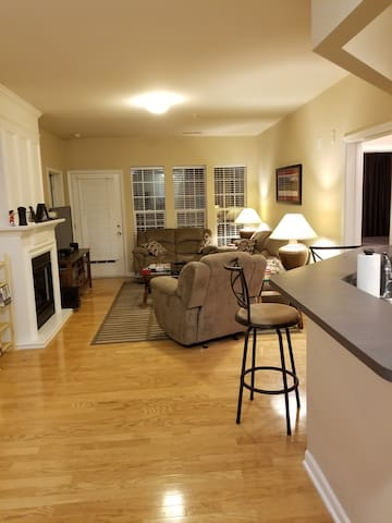 Private condo in South Park, easy access to Uptown