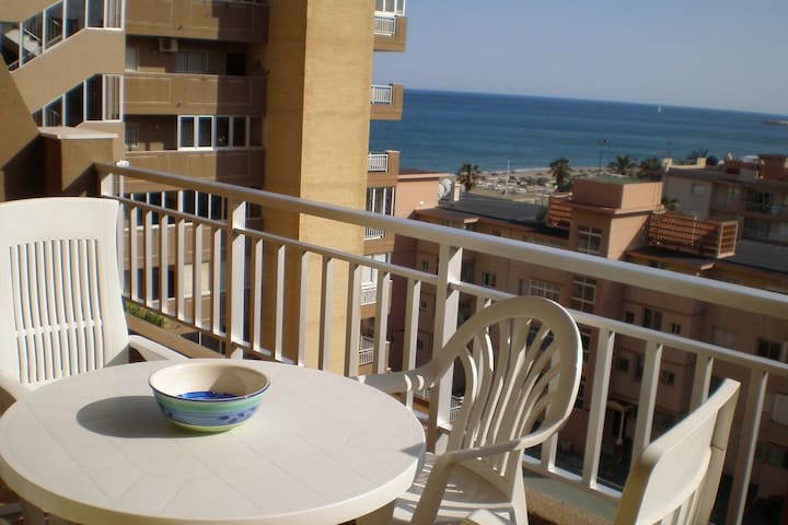 Apartamento con vistas al mar - sea views