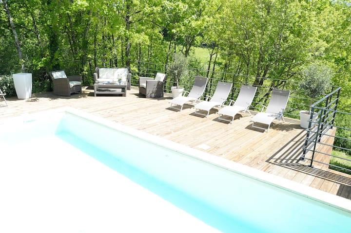 """""""Laviste""""  Haut de Gamme au calme piscine chauffée"""