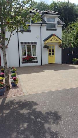 Crawfordsburn Cottage2