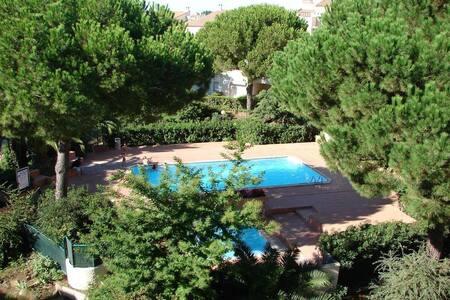 Apt Port Capistol F4 duplex vue port et piscine - Agde - Huoneisto