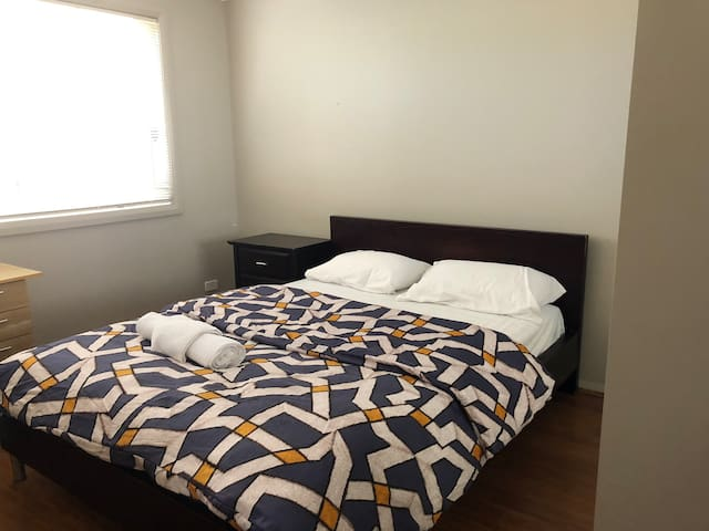 Nice peaceful room in gungahlin Room2