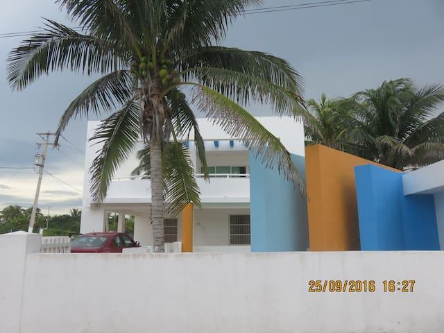HEYMO  casa de las Gimnastas - Telchac Puerto - Casa