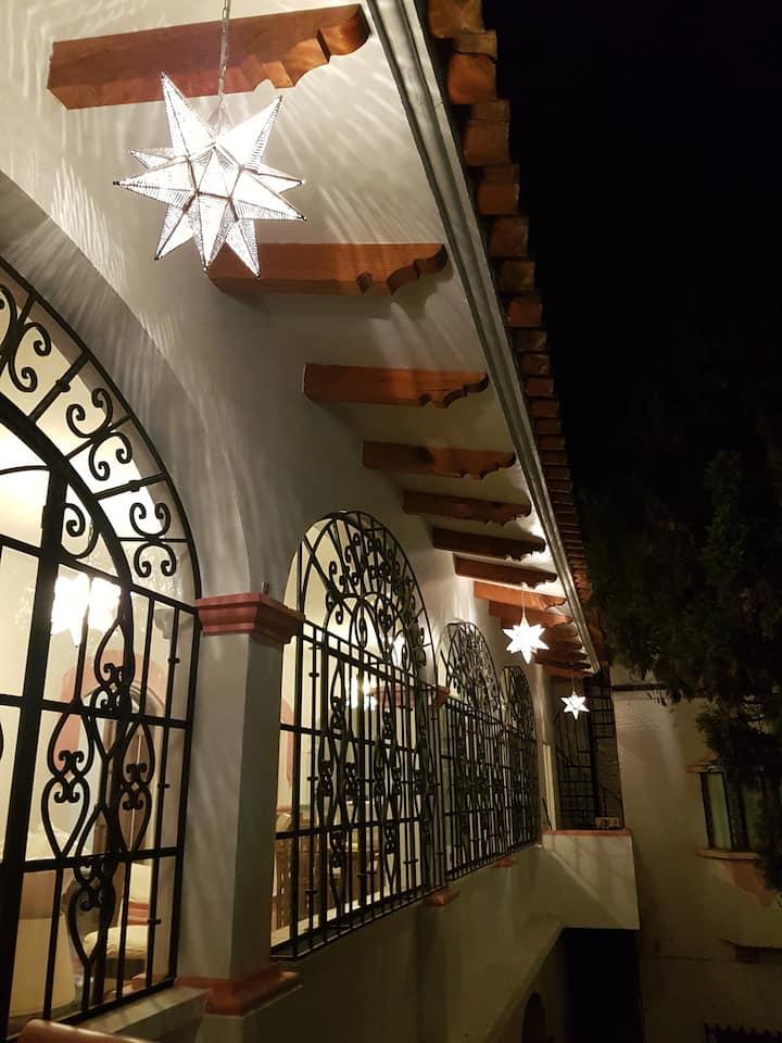 Casa Sol, a 5 minutos a pie de Santa Prisca.