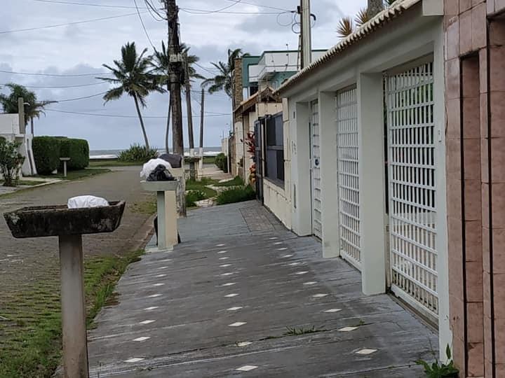 WI-FI Grátis - 3 Dorms, 3WC , QUARTEIRÃO DA PRAIA.