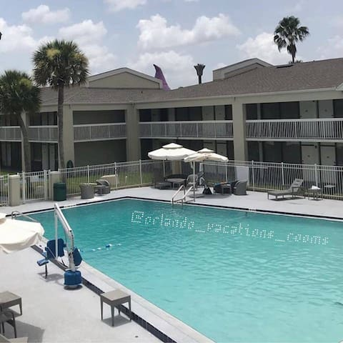 Orlando Vacations Rooms for 4 people Disney 197