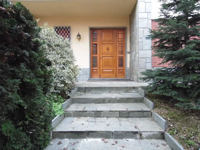 Nice apartment in elegant villa - Caselle Torinese - Flat