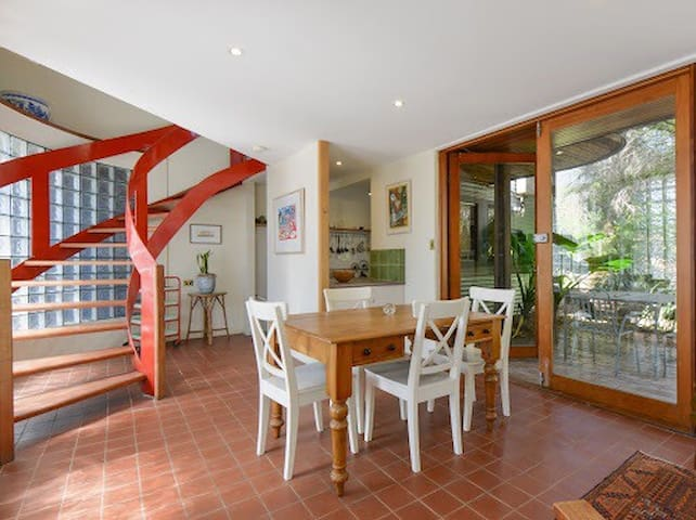 Charming FITZROY home seconds from Brunswick St