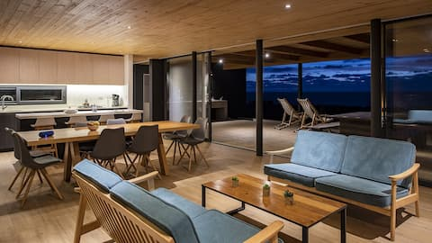 Eco-Friendly Beach House in Stunning Setting!