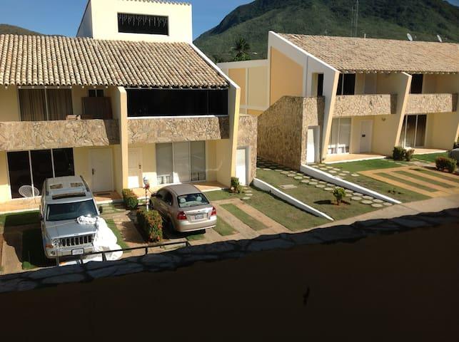 MARGARITA , TOWN HOUSE Guayamuri, SECTOR EL SALADO