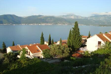 Villa 120m from the beach with panoramic sea views - Krašići