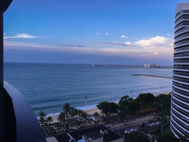 Apart. no Flat Atlântico, a 50 m da Av. Beira-Mar!