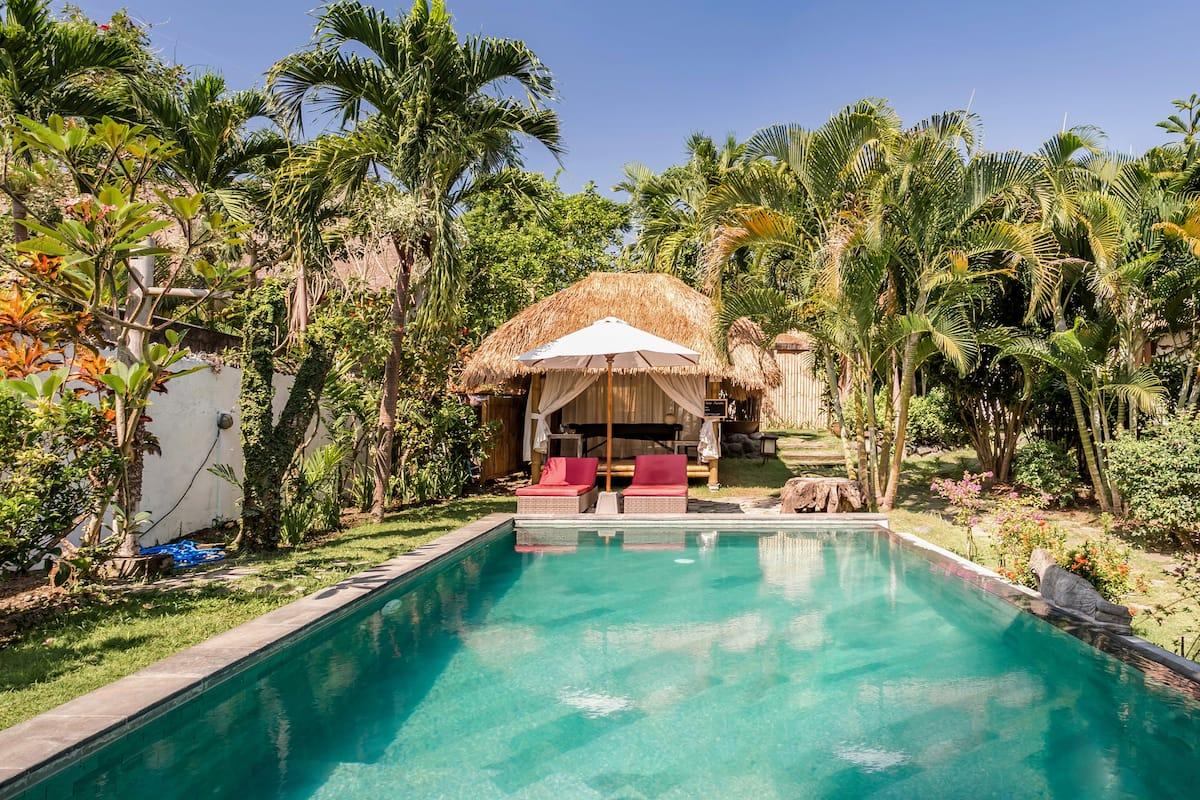 Batu Bolong Mini Villa in Beating Heart of Canggu