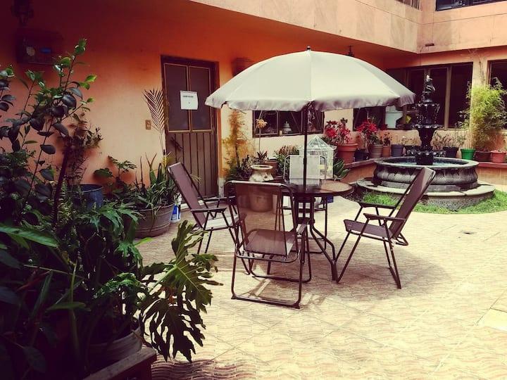 "Ground Floor-Planta Baja ""Hostal The Good Place"""
