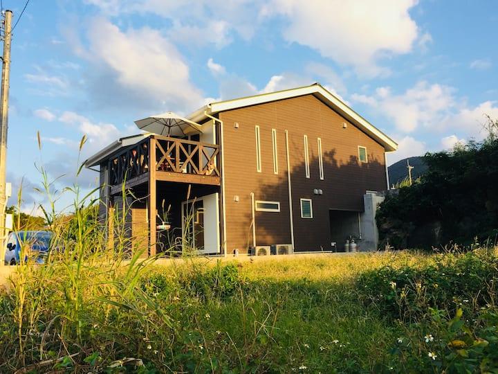 川平湾が見える芸術家の家 villa de artiste 新築の海辺のお家