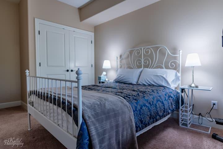 One Bedroom Elegant Apartment in NW Portland